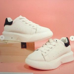 Shein Sneakers too small for me; brand new